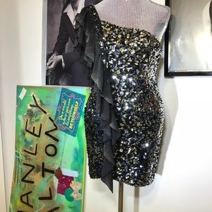GORGEOUS SEQUIN TONY BOWLS DRESS (NEW WITH TAGS)